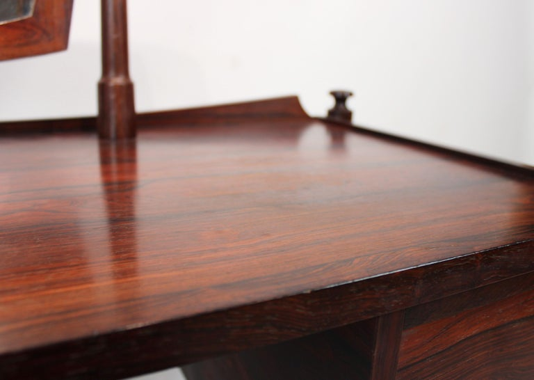 Dressing Table in Rosewood of Danish Design from the 1960s In Good Condition For Sale In Lejre, DK