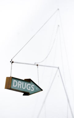 """Drugs Arrow (Green)"", Miniature wall-hanging sculpture"