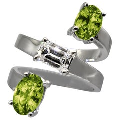 Drew Pietrafesa White Gold Diamond and Peridot Snake Ring