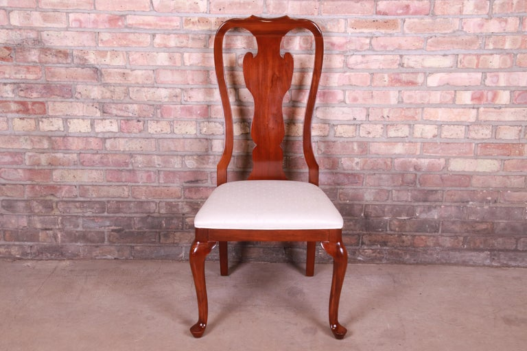 A gorgeous Queen Anne style side chair  By Drexel Heritage  USA, 1990s  Solid mahogany, with upholstered seat.  Measures: 21.75