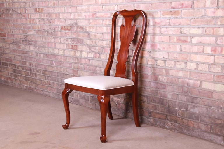 Drexel Heritage Queen Anne Mahogany Side Chair In Good Condition For Sale In South Bend, IN