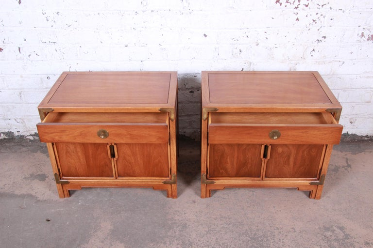 Mid-20th Century Drexel Hollywood Regency Chinoiserie Walnut Nightstands, Pair For Sale
