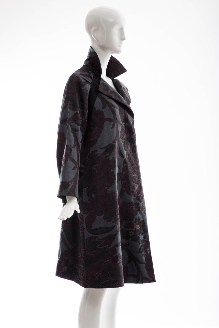 Dries Van Noten Runway Silk Linen Floral Jacquard Button Front Coat, Fall 2006 In Excellent Condition For Sale In Cincinnati, OH