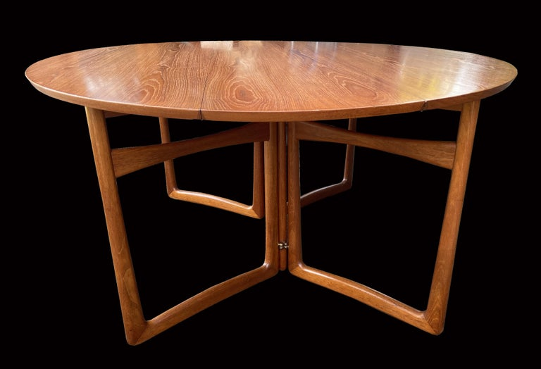 Drop Flap Teak and Brass Dining Table by Peter Hvidt for France & Søn In Good Condition For Sale In Little Burstead, Essex