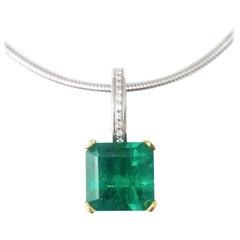 Drop Necklace Emerald Diamonds Platinum and 18K Gold Classic Contemporary Simple