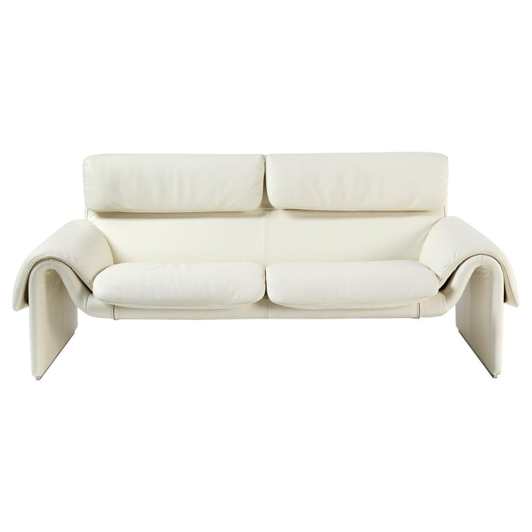 For Sale: White (Snow) DS-2011 Bauhaus Leather Two-Seat Sofa by De Sede