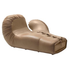 DS-2878 Italian Pop Boxing Glove Chaise Lounge Right by De Sede