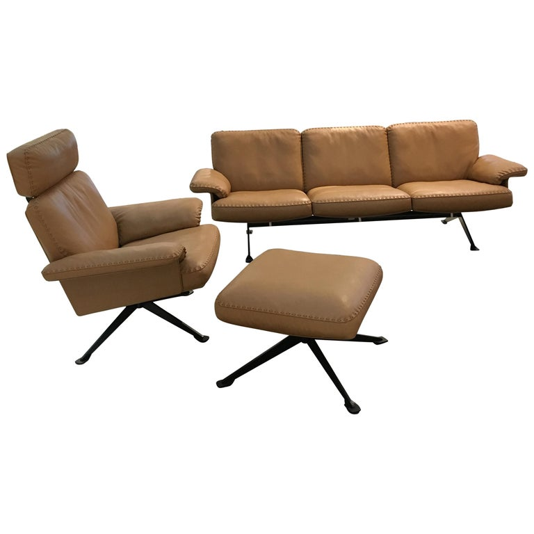 DS-31 Leather Sofa, Swivelling Armchair and Ottoman Set by De Sede For Sale