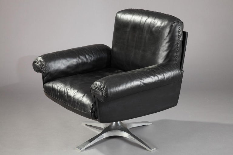 Leather DS 31 Sofa, Swivel Lounge Armchair and Ottoman by De Sede For Sale