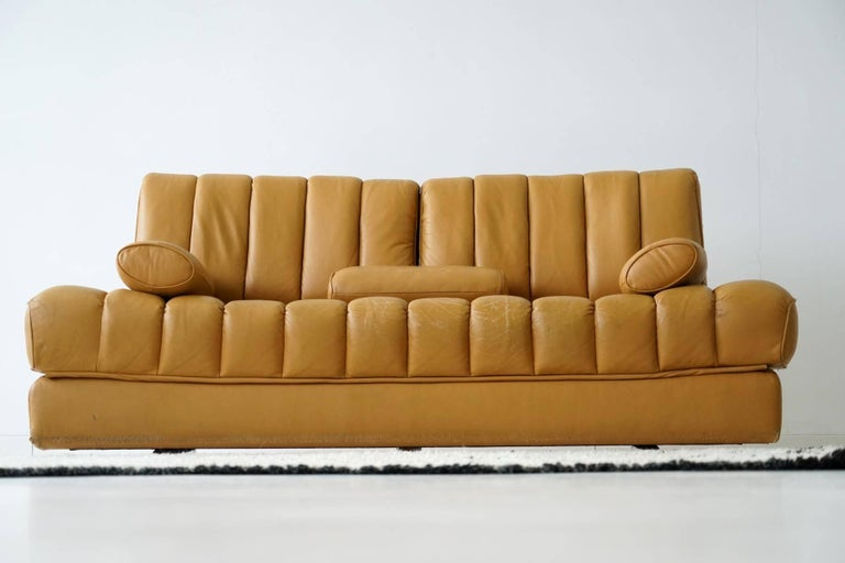 Swiss DS 85 De Sede Leather Sofa Daybed Canapé Chaise Longue For Sale