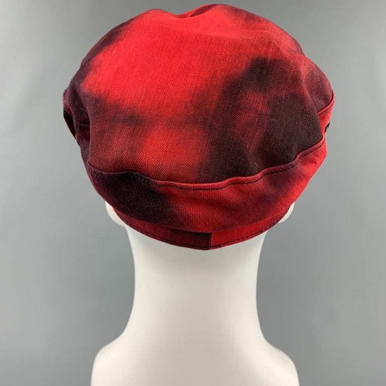 Gray DSQUARED2 Size S Red & Black Cotton Leather Biker Hat For Sale