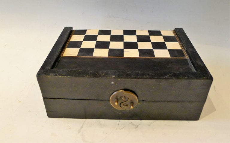 Dual Backgamon and Chess Travel Set, 19th Century For Sale 1