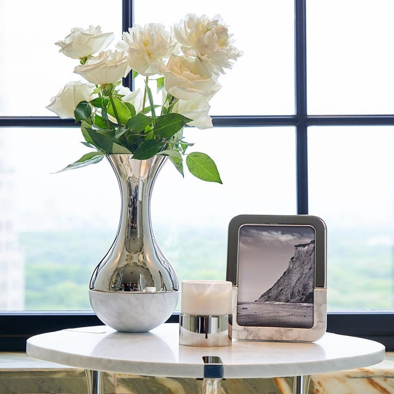The Dual Marble Frame is a modern and substantial way to showcase your