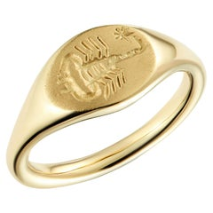 Dubini Scorpion Intaglio 18 Karat Yellow Gold Signet Ring