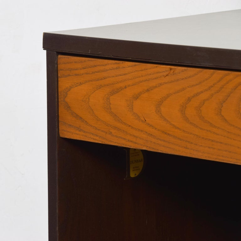 Dunbar by Edward Wormley Two-Tone Nightstands Espresso & Honey Blonde 1960s In Good Condition For Sale In National City, CA