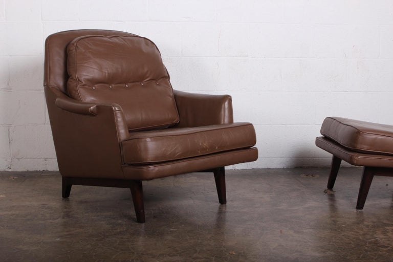 Dunbar Lounge Chair and Ottoman in Original Leather For Sale 6