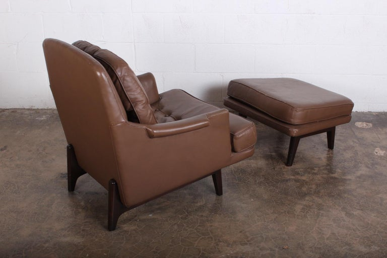 Dunbar Lounge Chair and Ottoman in Original Leather For Sale 1