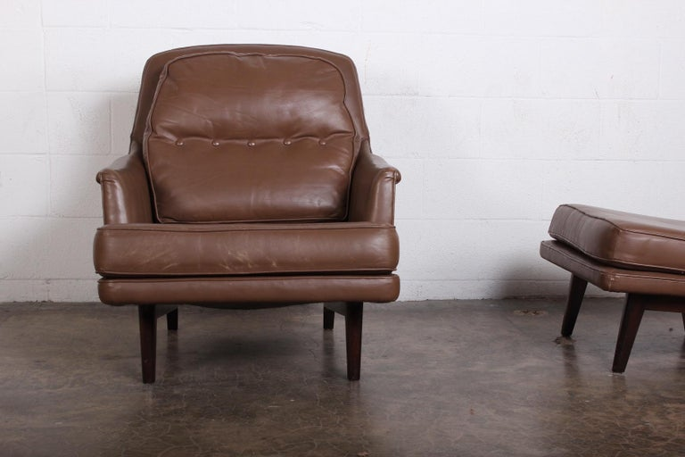 Dunbar Lounge Chair and Ottoman in Original Leather For Sale 4