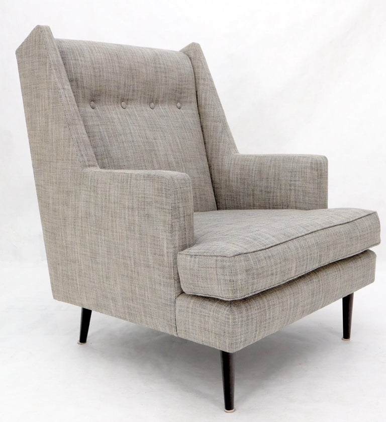 Dunbar Mid-Century Modern Lounge Chair Restored In Excellent Condition For Sale In Rockaway, NJ