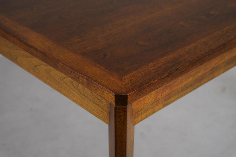 Dunbar Model 456 Walnut Dining Room Extension Table by Edward Wormley In Excellent Condition For Sale In South Charleston, WV