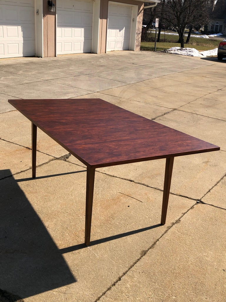 Dunbar Rosewood Dining Table, Conference Table Expandable, Stunning In Good Condition For Sale In Allentown, PA