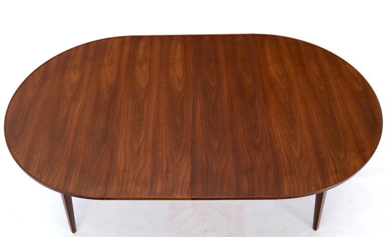 Dunbar Round Walnut Dining Table with 2 Extension Boards Leafs Racetrack Shape For Sale 3