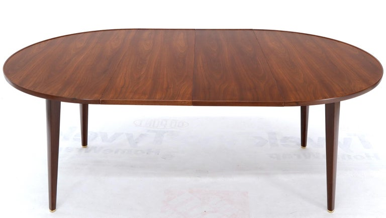 Dunbar Round Walnut Dining Table with 2 Extension Boards Leafs Racetrack Shape For Sale 2