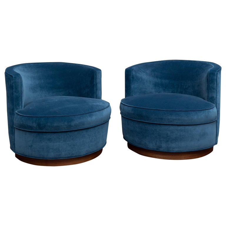 Dunbar Swivel Club Chairs For Sale