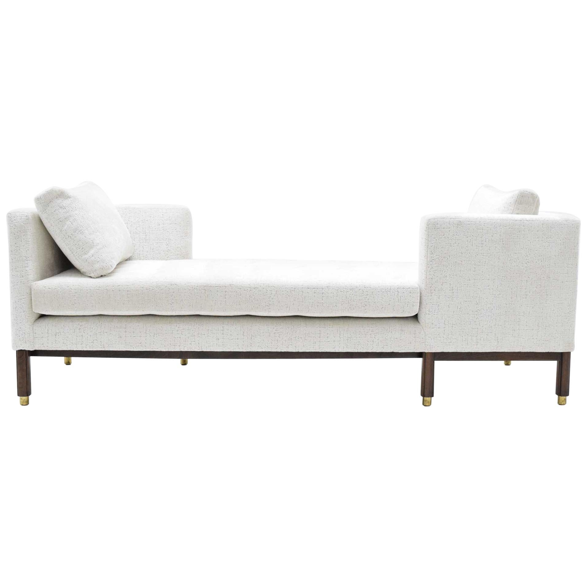 Dunbar Tête-à-Tête Sofa by Edward Wormley