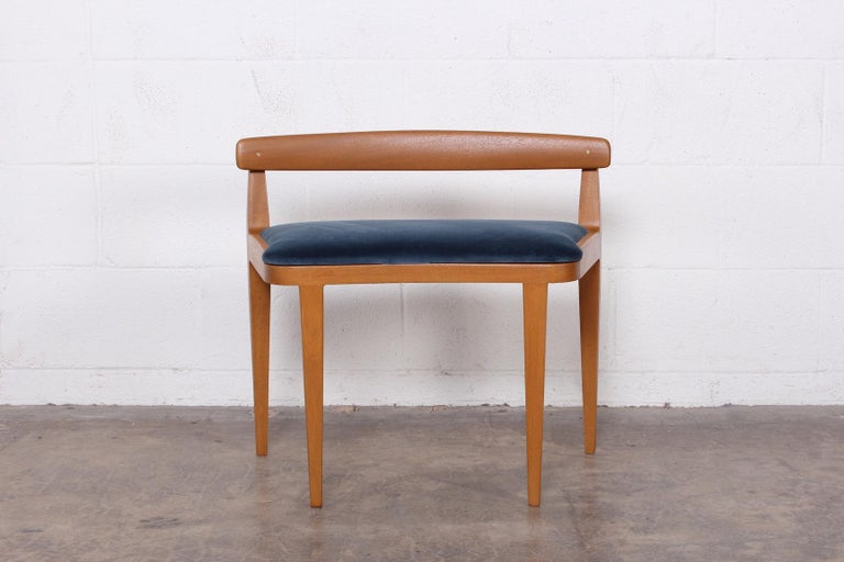 Dunbar Vanity Stool by Edward Wormley In Good Condition For Sale In Dallas, TX