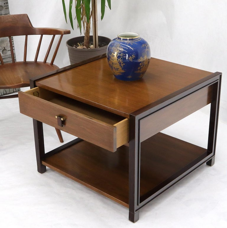 Mid-Century Modern rectangle to tier 1 drawer end table by Dunbar. Nice drop pull.