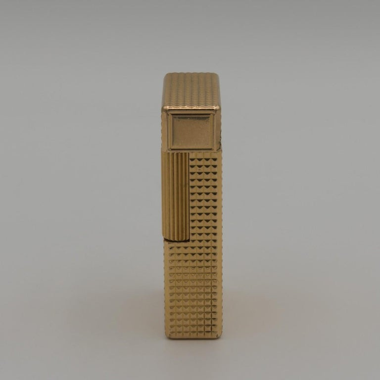 Dupont Gold-Plated Pocket Lighter, circa 1975 In Good Condition For Sale In London, GB
