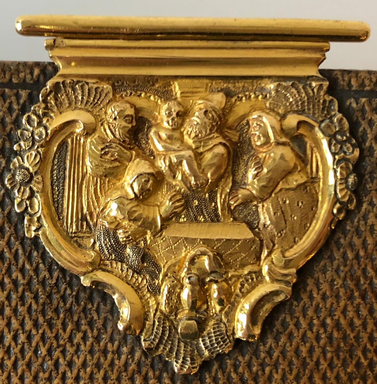Dutch Bible with Gold Bookclasps In Good Condition For Sale In Hilversum, NL
