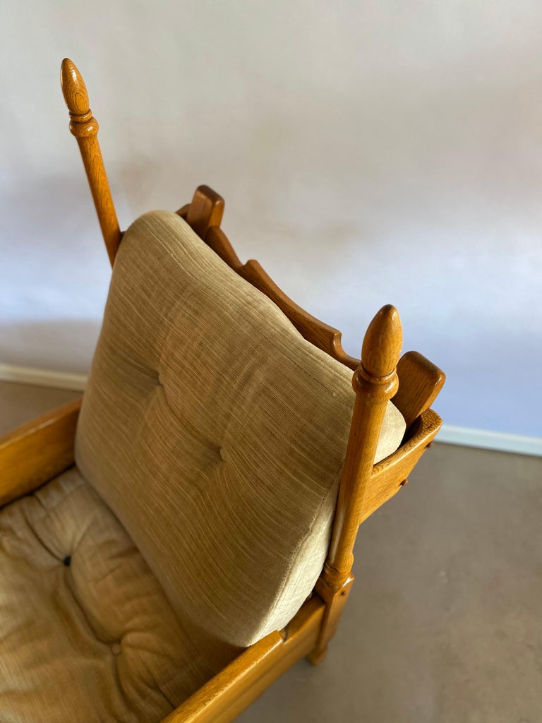 Dutch Castle Lounge Chair in Oak, with Sheep Hide In Excellent Condition For Sale In Amsterdam, NL