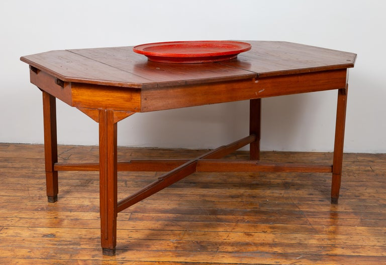 Dutch Colonial Antique Extension Dining Table with Folding Central Leaf For Sale 4