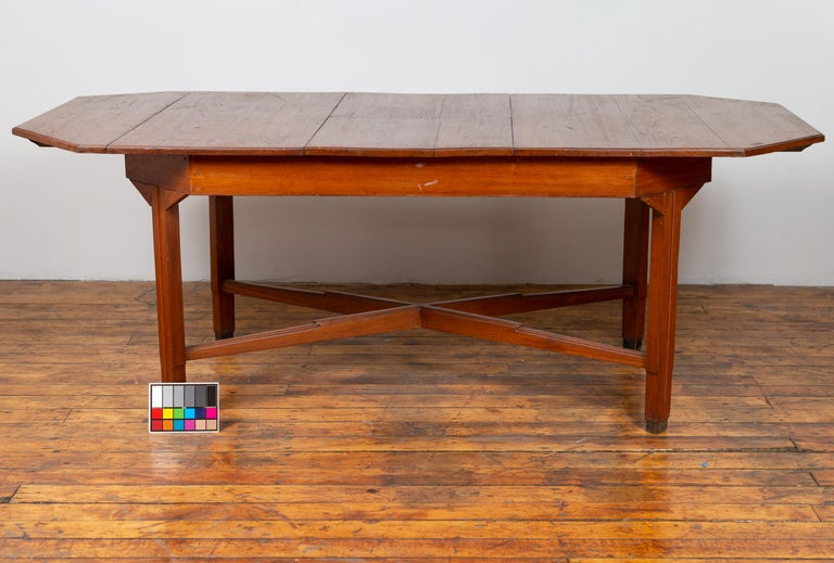 Dutch Colonial Antique Extension Dining Table with Folding Central Leaf For Sale 5