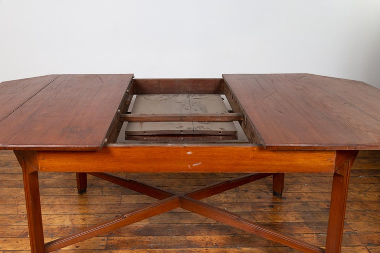 20th Century Dutch Colonial Antique Extension Dining Table with Folding Central Leaf For Sale