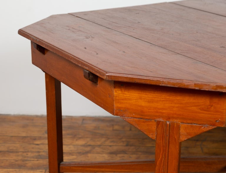 Dutch Colonial Antique Extension Dining Table with Folding Central Leaf For Sale 2