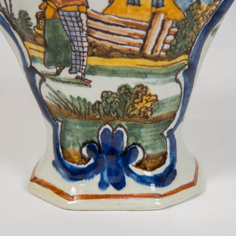 Dutch Delft 5 Piece Mantle Garniture 18th Century Made by Quirinus Mesch In Excellent Condition For Sale In New York, NY