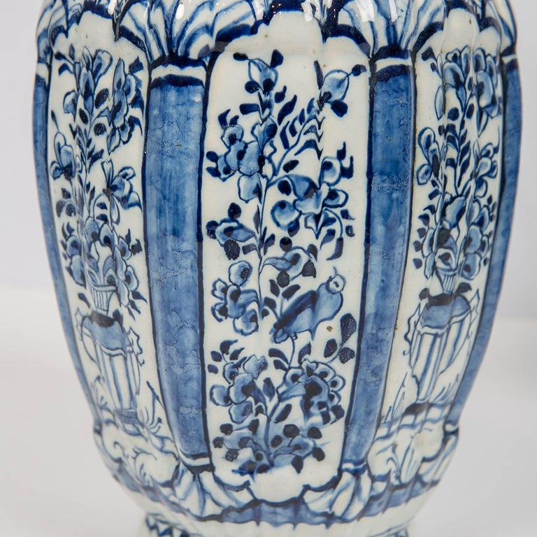 Dutch Delft Blue and White Jars with Lion Finials Made In Excellent Condition For Sale In New York, NY