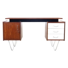 Executive Floating desk in Teak by Cees Braakman for Pastoe, 1960's