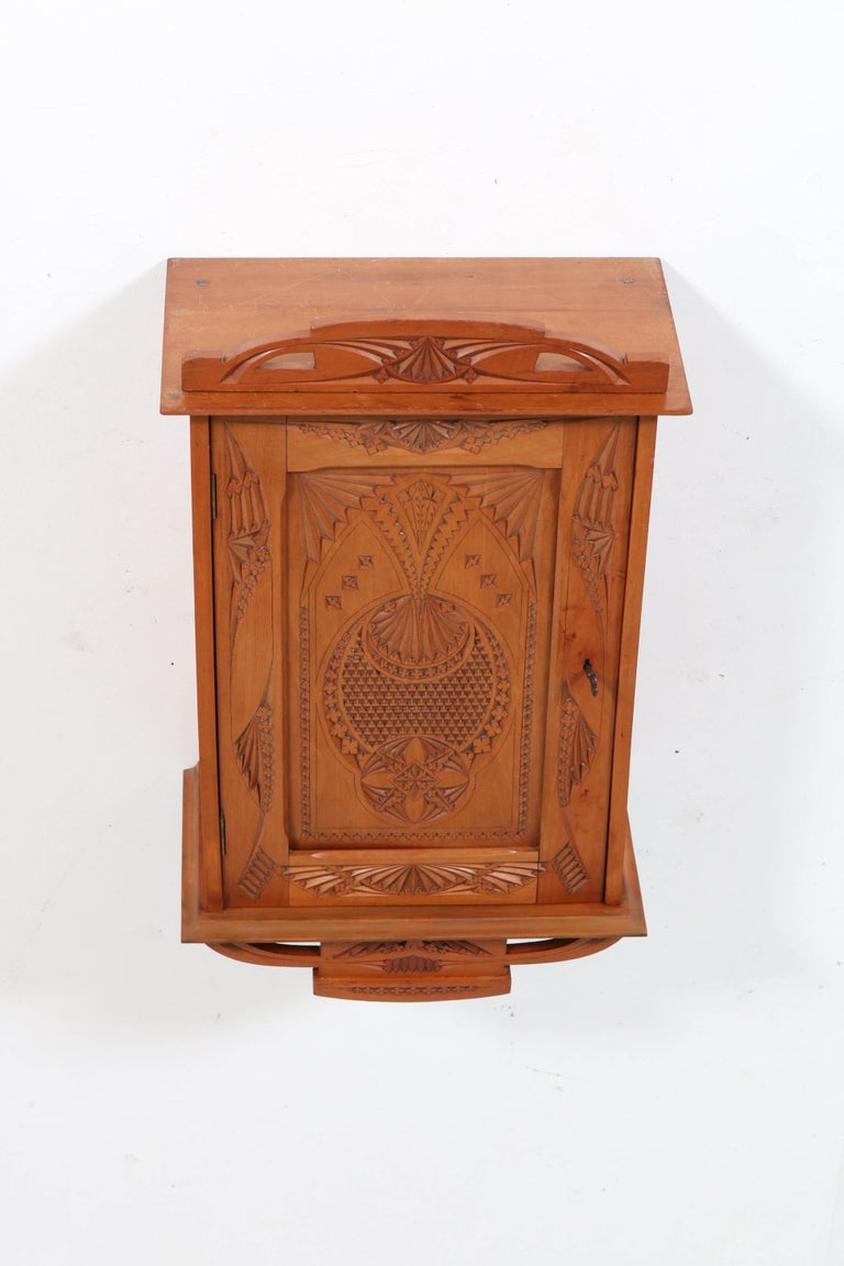 Dutch Fruitwood Art Nouveau Kerfschnitt Wall Cabinet, 1900s In Good Condition For Sale In Amsterdam, NL