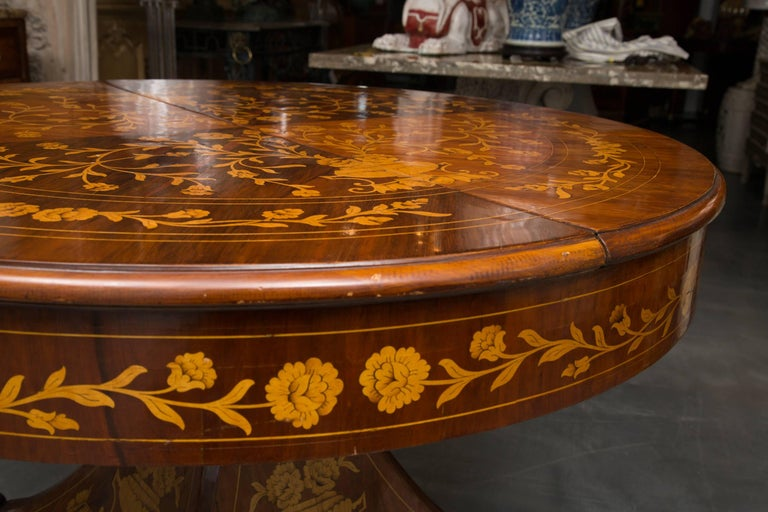 Dutch Marquetry Centre Table In Good Condition For Sale In WEST PALM BEACH, FL