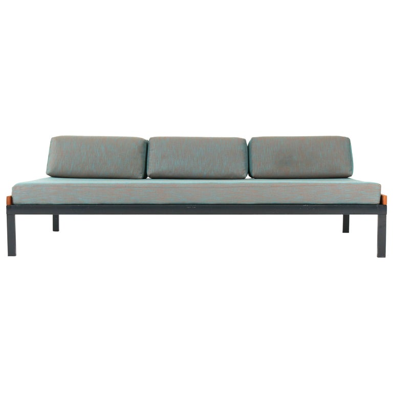 """Dutch Mid-Century Modern """"Couchette"""" Daybed by Friso Kramer for Auping, 1960s For Sale"""