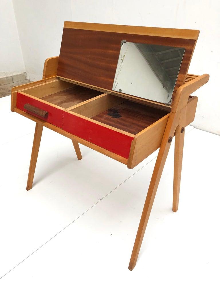 Dutch Mid-Century Modern Solid Birch Vanity Desk by Everest Furniture, 1950s For Sale 1