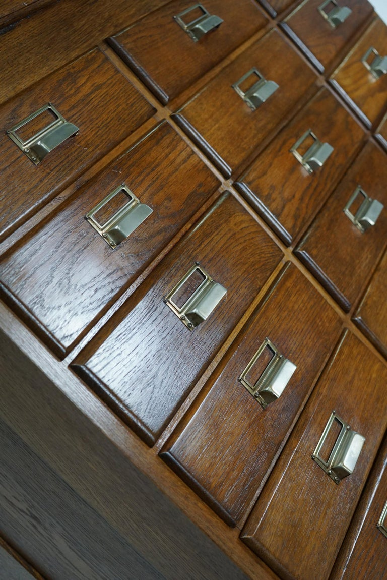 Dutch Oak Apothecary or Filing Cabinet, 1930s In Good Condition For Sale In Nijmegen, NL