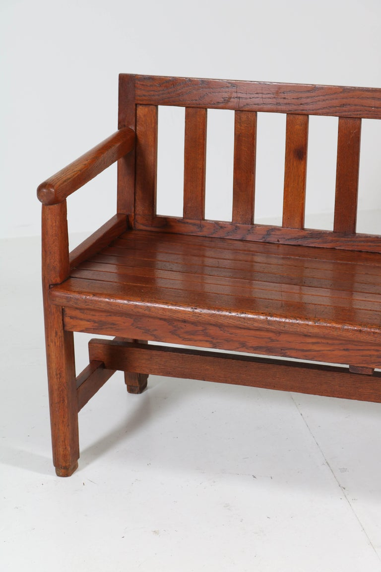 Dutch Oak Art Deco Haagse School Bench, 1920s In Good Condition For Sale In Amsterdam, NL