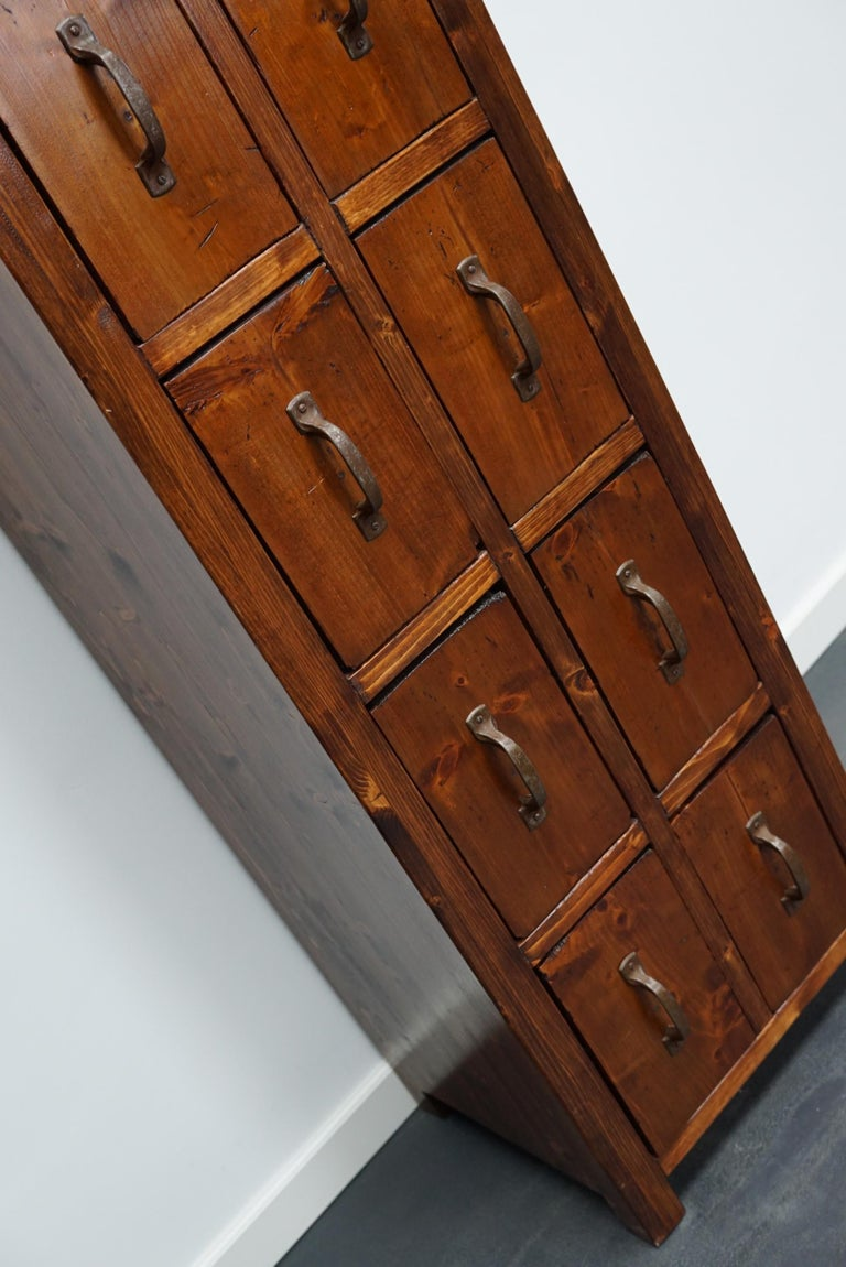 Dutch Pine Industrial Apothecary or Workshop Cabinet, 1930s In Good Condition For Sale In Nijmegen, NL