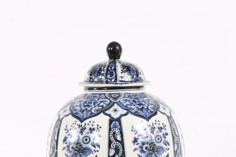 Dutch Porcelain Covered Decorative Urn In Good Condition For Sale In Hudson, NY