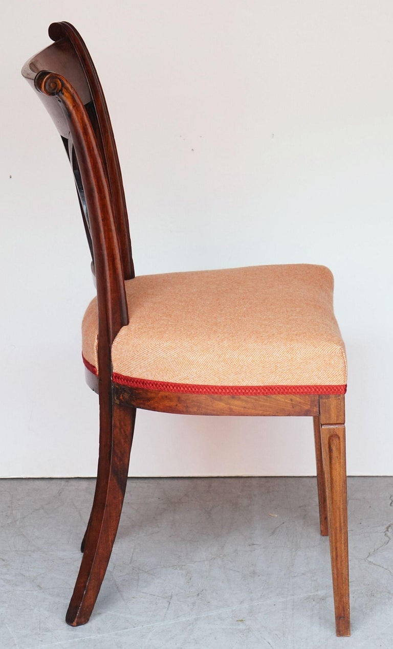 Dutch Upholstered Dining Chairs of Mahogany For Sale 12